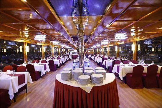 Dubai Dhow Dinner Cruise mit Transfer