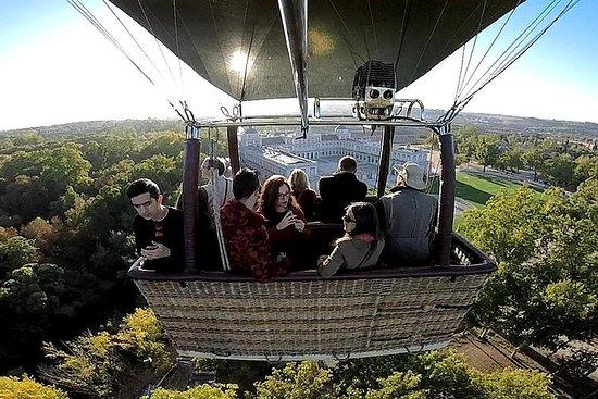 マドリッドからのオプションの運行でのアランフェスの熱気球の乗り物