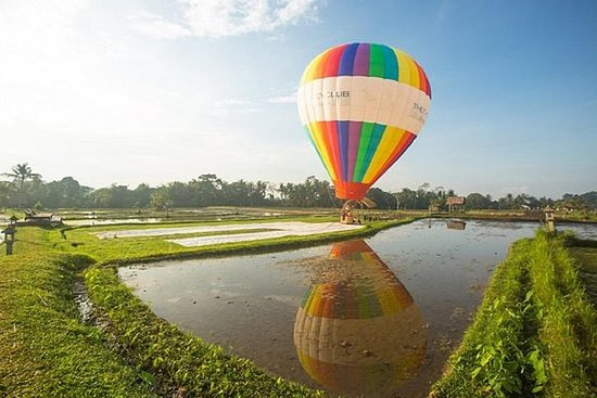 Hot Air Balloon Experience with Meals...