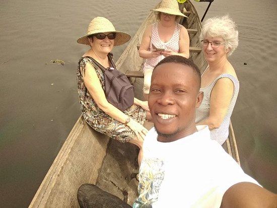 Abomey, Бенин: wa.me/22996977905 Plus de soucis pour visite de ganvié et ses environs,votre boniface est toujours disponible pour vos différents services.
