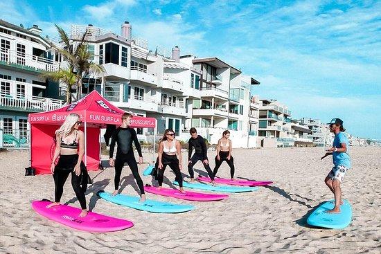 ベニスビーチでサーフィンを学ぶ(楽しいサーフLAスクールによるサーフレッスン…