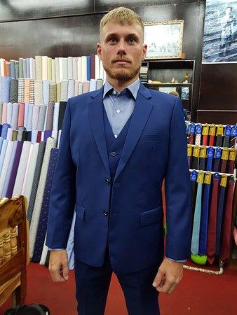 Happy moments at de marco fashions. #tailor #tailorsinaonang #tailorsinkrabi #aonang #krabi #madetomeasure #tripadvisor #awardwinner #besttailor #number1