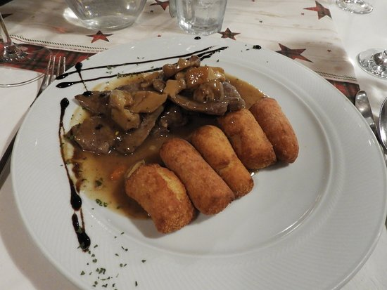 Delnice, Хорватия: Venison meat with home-made croquettes
