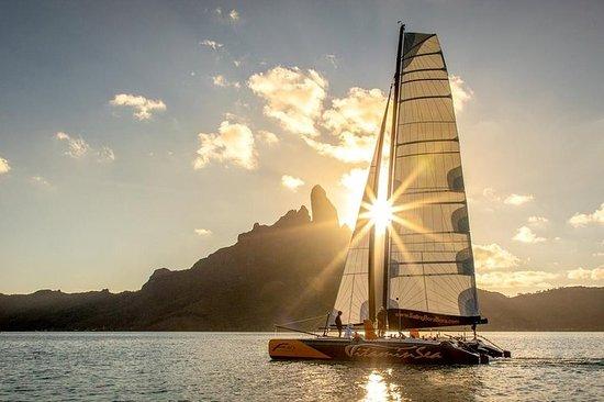 Paseo en catamarán en Bora Bora al...