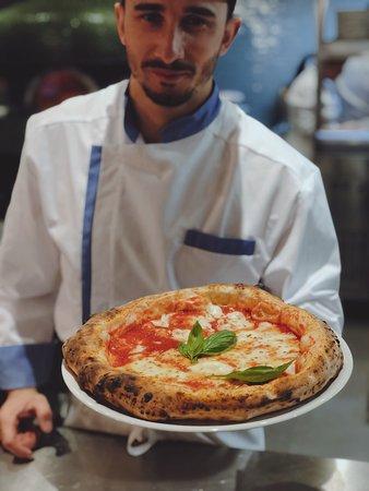 La Pizza Comme a Naples