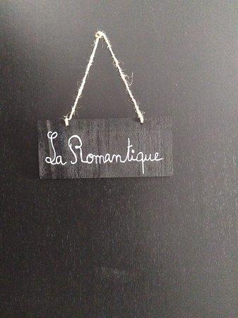 Le Nayrac, Франция: Petit panneau qui indique les chambres