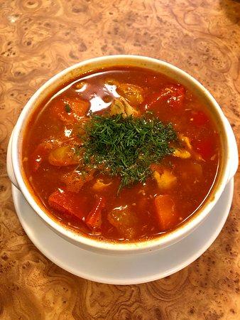 Zupa rybna węgierska
