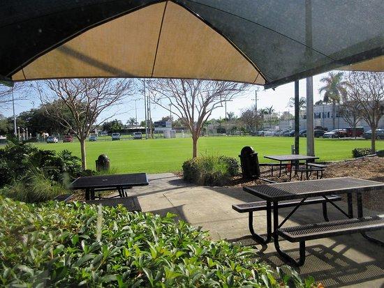 Belleair, FL: Recreation Grounds Outside