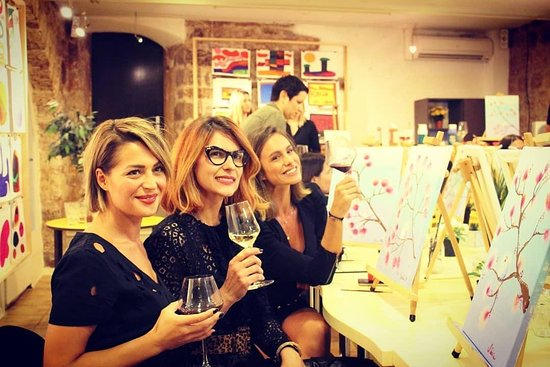 Art Bottega - Wine and Paint Studio in Split