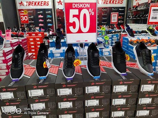 Sepatu TREKKERS Bisa Dibeli Di Ramayana Sorong Info dan Pemesanan 081233733033 (Deddy) #TrendyKerenSekali #KerenHakSegalaBangsa