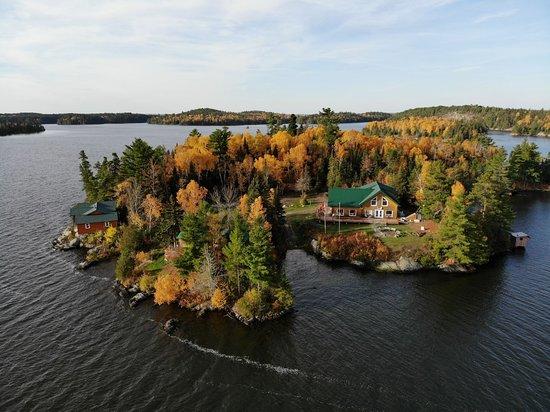 Eagle Lake, Canadá: Main lodge on our 8-acre island