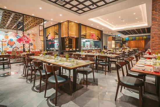 All Day Dining Featuring Our Take On Traditional Culinary Specialties From Kuala Lumpur S Chinatown With An Open Theatrical Kitchen That Is Sure To Delight Picture Of Quan S Kitchen Kuala Lumpur Tripadvisor