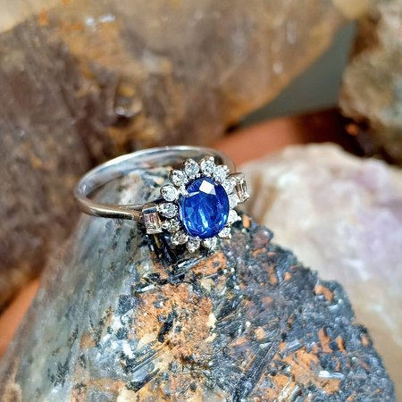 Ceylon Sapphire Gems and Jewels