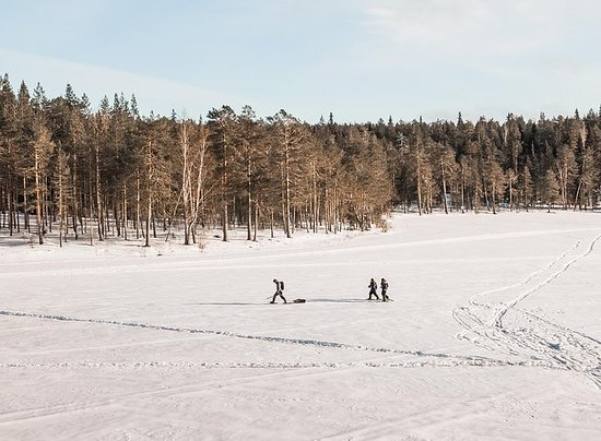 雪鞋和冰釣之旅