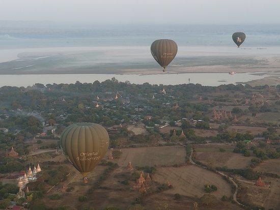 Bagan, Μιανμάρ: Flying with Oriental Ballooning.
