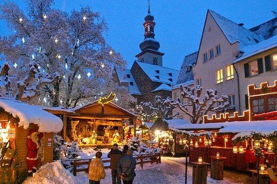 Christmas Market Visit and Christmas Dinner from Frankfurt