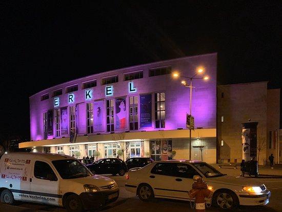 エルケル劇場:外観。
