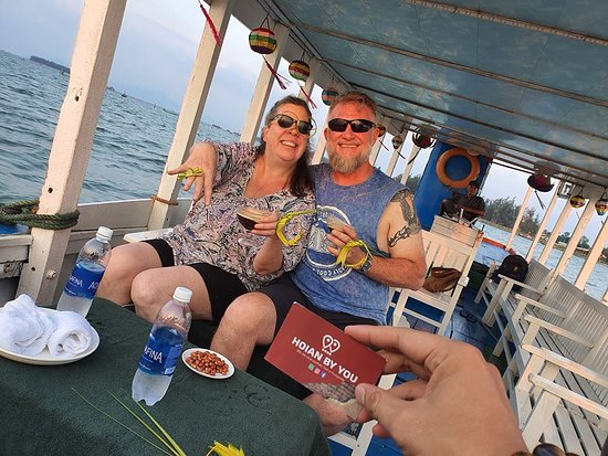 Hoi An, Vietnam: Sunset cocktail Cruise ___________ ✅Contact us via: ☎Hotline: (+84)905 407 603 📲WhatsApp/Kakaotalk/Zalo: (+84)905 407 603 (+84)905 486 526 📧 Email: hoianbyyou@gmail.com ✅Follow us on: 🌍Facebook Fanpage: https://www.facebook.com/HoiAnbyYou/ 🌍Instagram: https://instagram.com/hoianbyyou_ 💯 We're your Partner, Not A tour guide.😘