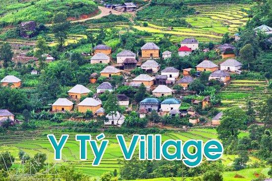 Y Ty Village