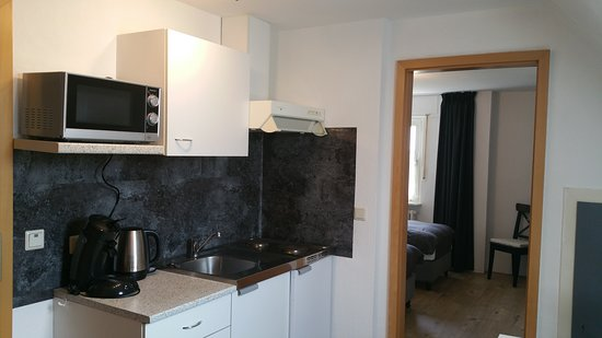 Emlichheim, Alemanha: Small kitchen in the apartment for your convenience
