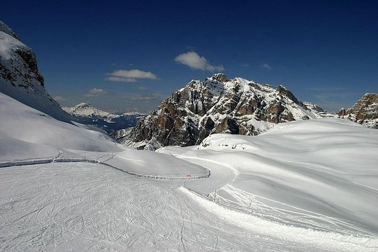Dolomiti and First World War Sites Ski Tour from Cortina d'Ampezzo