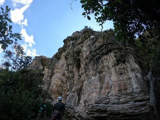 Farallones de Suesca! Descubre el Parque de escalada más grande del país! Ubicado a tan solo 1 hr 30 min de Bogotá! Vive la mejor Aventura con nosotros! Ofrecemos planes:  * Escalada * Rappel * Caminatas (Trekking) * Espeleología