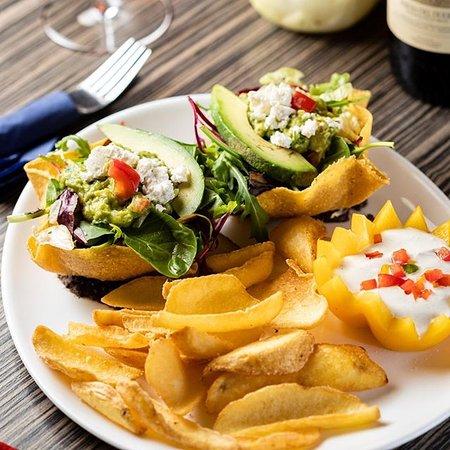 Bei uns erwarten euch frisch zubereitete mexikanische Gerichte die euch garantiert das Wasser im Mund zusammenlaufen lassen!