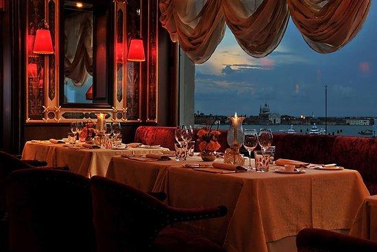 Venezia romantisk tur med taxi båt...