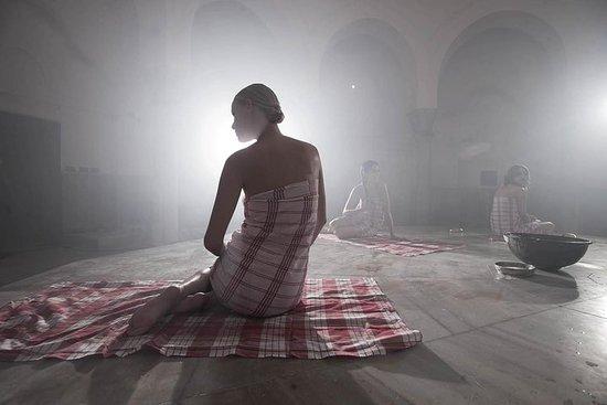 Fotografia de Experiência Histórica do Banho de Çemberlitas