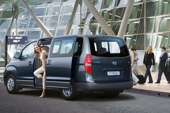 Luxury Minivan for Airport transfers...