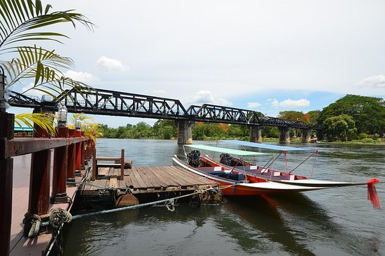 Le pont de la rivière Kwaï au départ de Bangkok