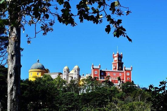 Foto de Grupos pequeños a Sintra, Cascais, Cabo da Roca, Bodega Colares y Palacio Pena.