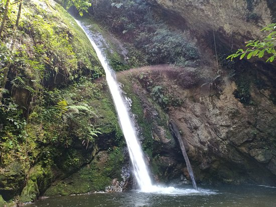 Palupuh, Индонезия: air terjun /sarasahnyiak sabi