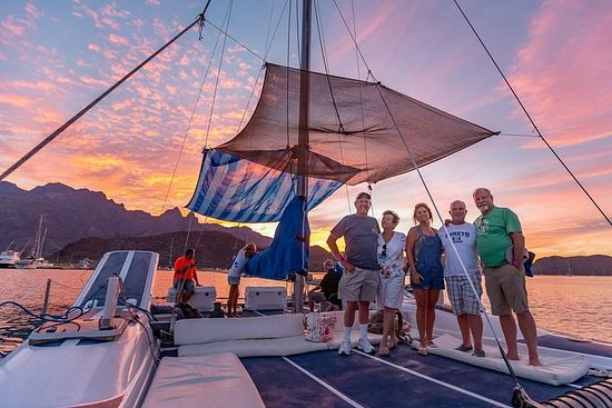 Sunset Appetizers & Open Bar Catamaran Cruise