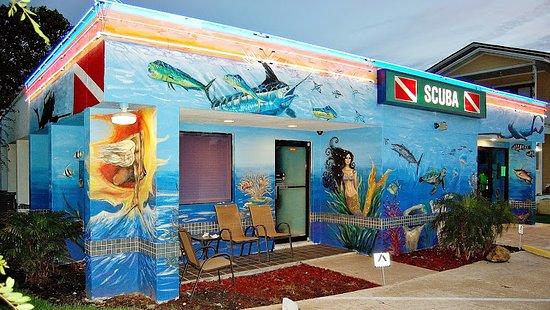 Jacksonville Beach, FL: Atlantic Pro Diver SCUBA Shop Exterior