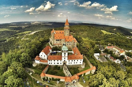 Fairytale Bouzov Castle and Javoricko Caves Hiking tour from Prague