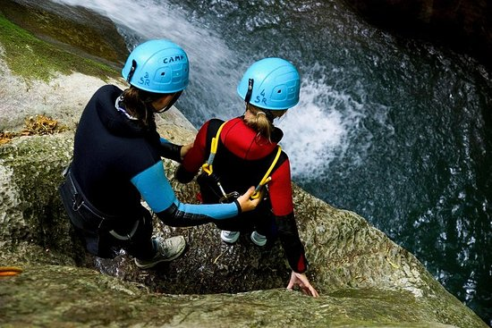 Canyoning discovery 3h in Grenoble (high Furon canyon)