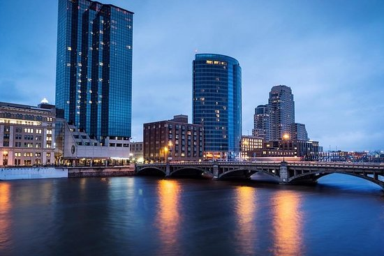 Let's Roam's Grand Rapids Scavenger Hunt: Grand Hunt Round River City!