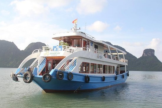 Lan Ha bay & Halong bay Cruise Day...