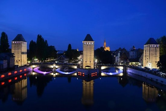 Private Night Sightseeing Tour of Strasbourg by Pedicab – fotografia