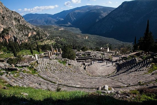 Full-day in Delphi: Explore one of the...