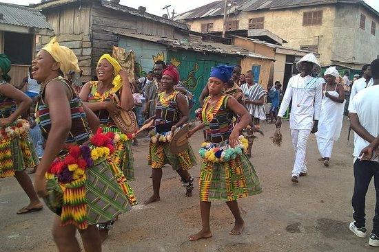 Visites des arts primitifs, du reggae et de la culture au Ghana