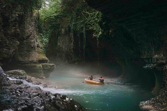Prometheus-hulen, Martvili canyon...