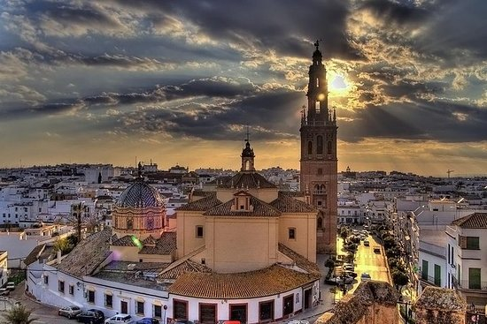 2 uur durende tour door Carmona: Alcazar en de kerk van Santa Maria