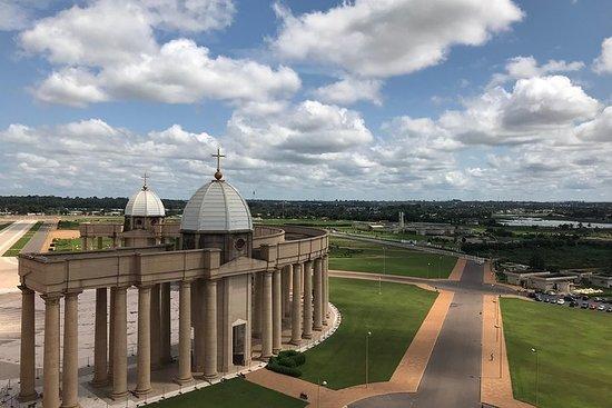 1,5-timers basilika og Yamoussoukro-tur med engelsk guide