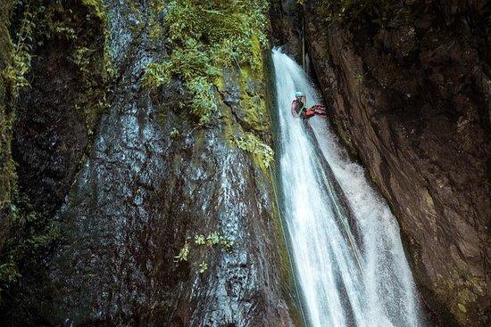Excursion aux Alva Falls Canyon au...