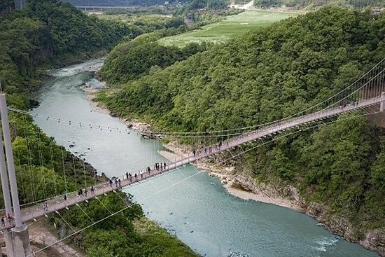 4 DAYS - Seoul tour with Pocheon Art Valley, waterfall, sky bridge...