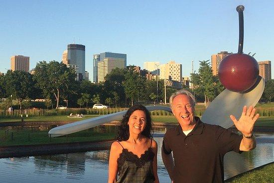 Tour privato a cavallo e a piedi di Minneapolis e St. Paul Highlights