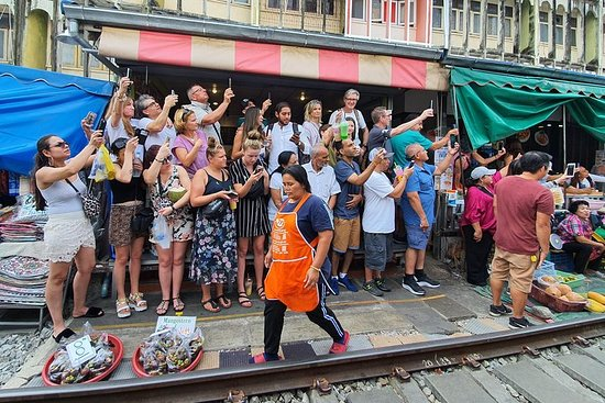 Kleine Gruppe: Damnoen Floating Market...