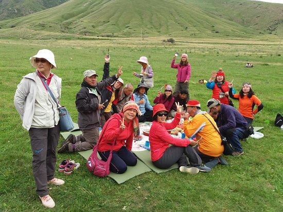 Tosor, Kirgizië: Taiwan Group! Jeep Tour in TienShan Mountains! Picnic Break!